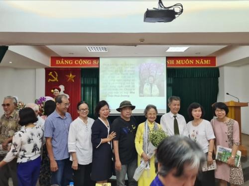 """Những hình ảnh về buổi tọa đàm """"20 năm Miền Xanh Thẳm"""" ở Hà Nội ngày 13/6/2020."""