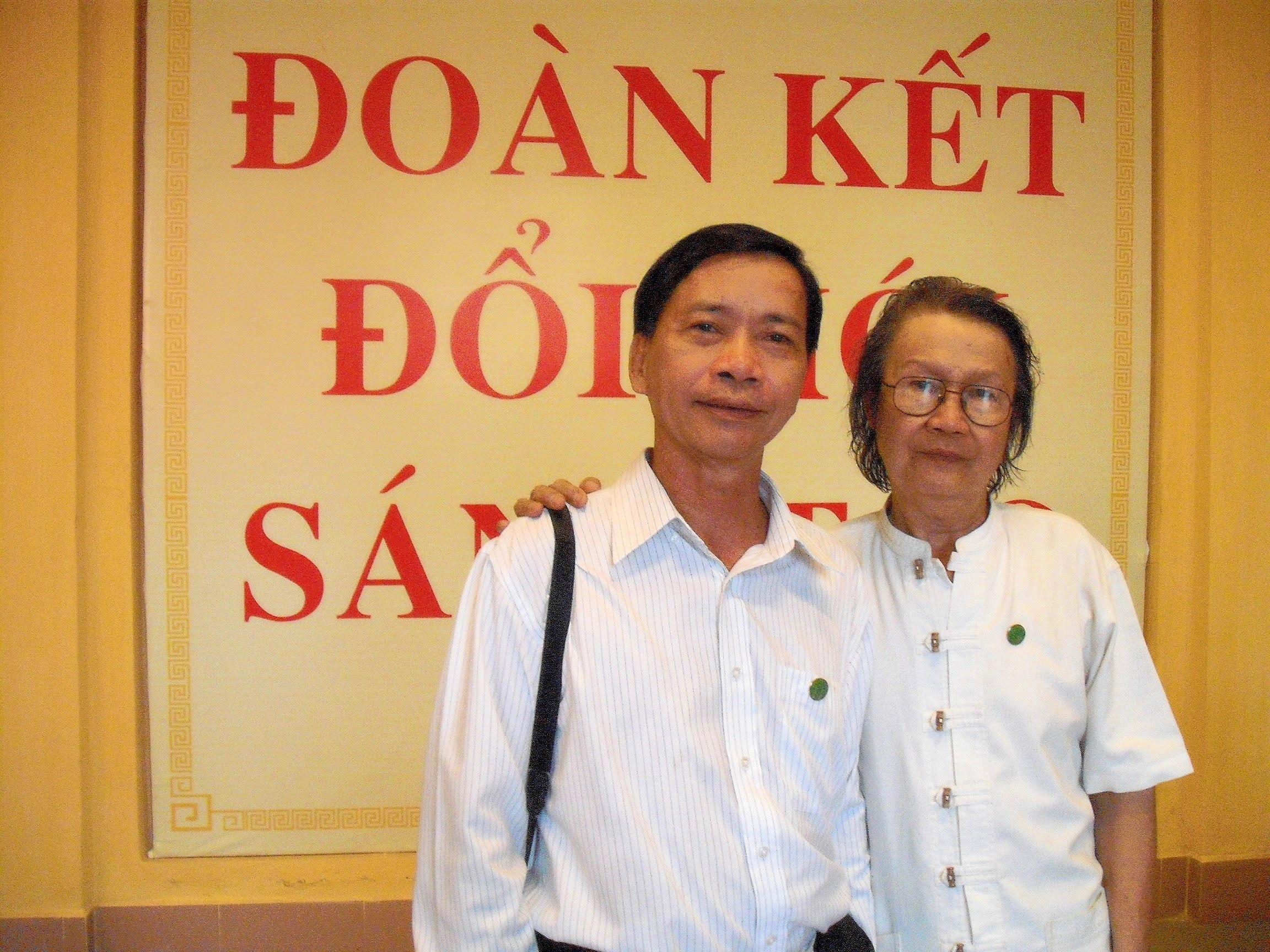 Cùng nhà văn Triệu Xuân, 2010