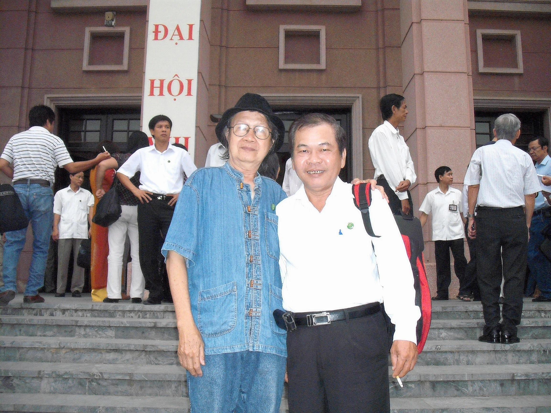 Cùng nhà văn Nguyễn Trí Công, 2010