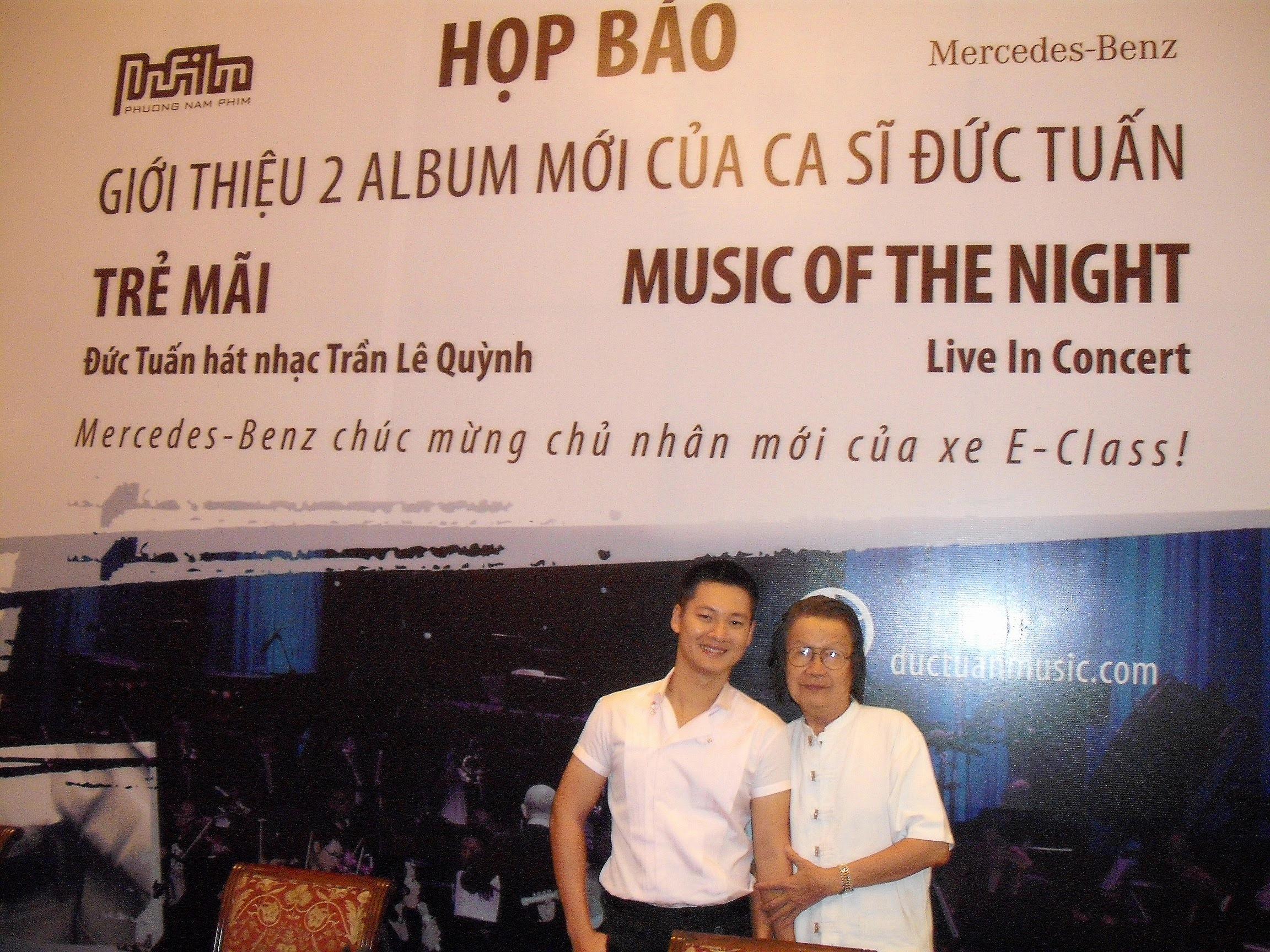 Họp báo ra mắt đĩa nhạc Đức Tuấn hát Trần Lê Quỳnh, năm 2010.