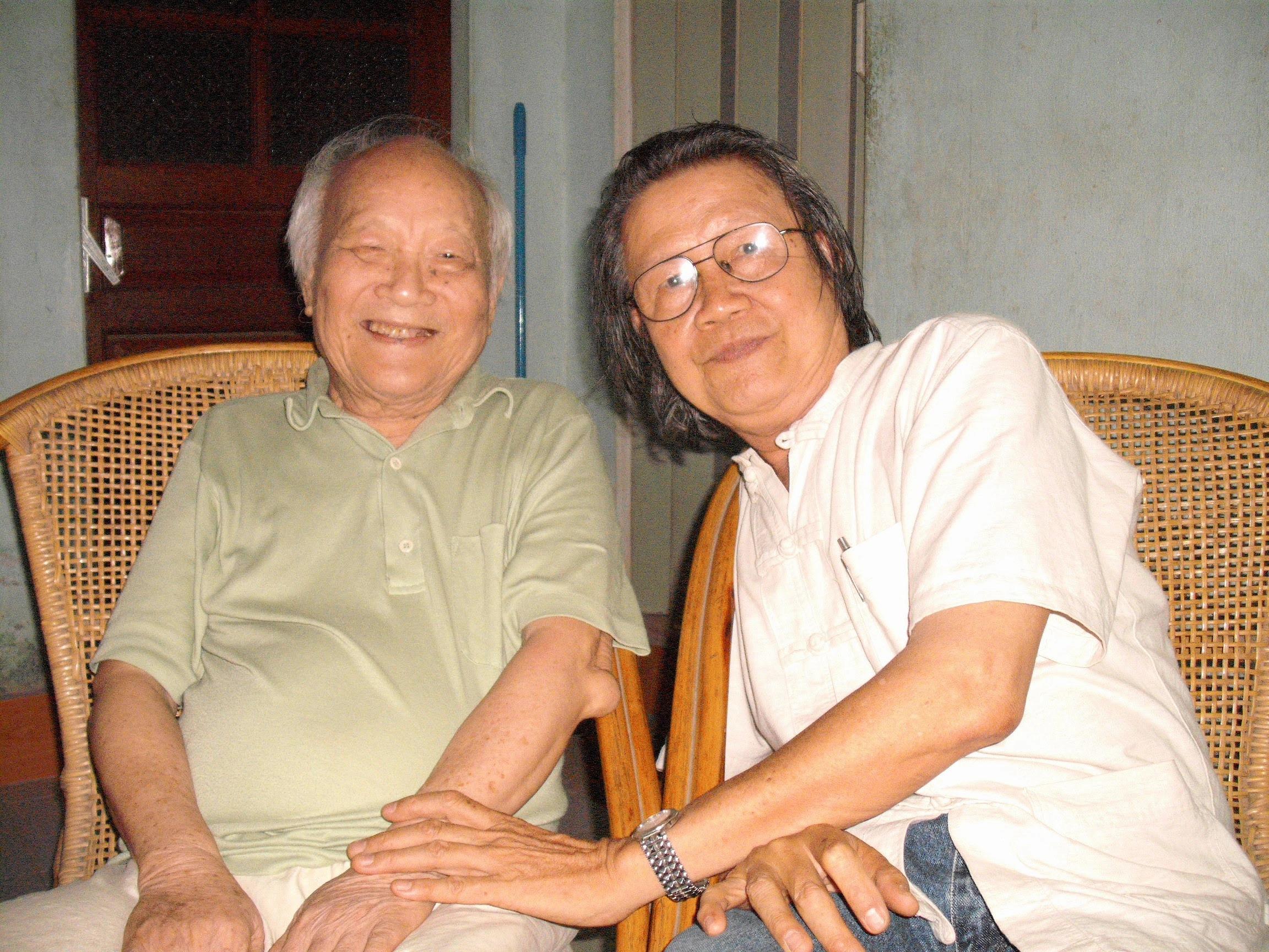Cùng nhà văn Tô Hoài năm 2010