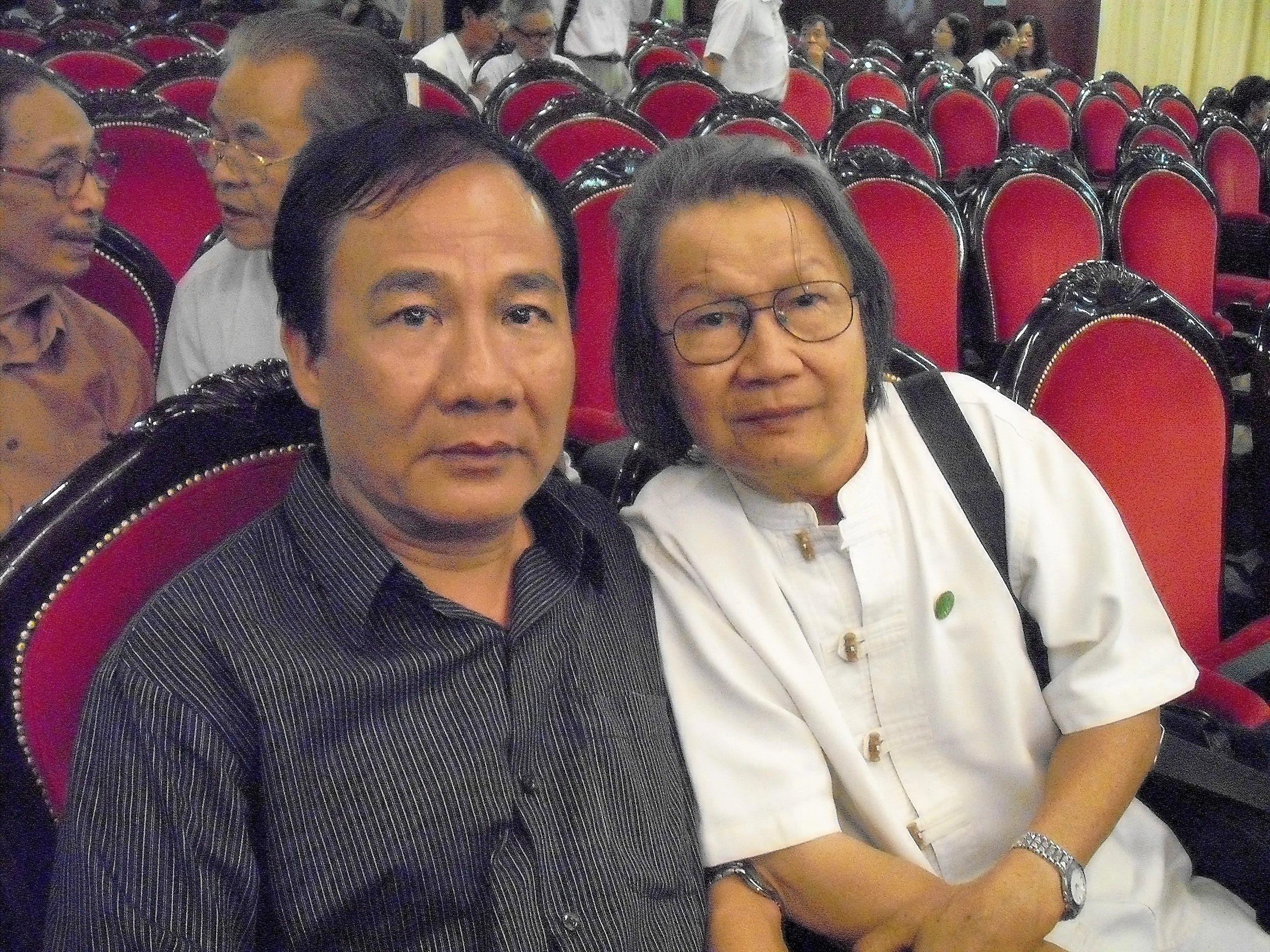 Cùng nhà văn Trần Đức Tiến, 2010