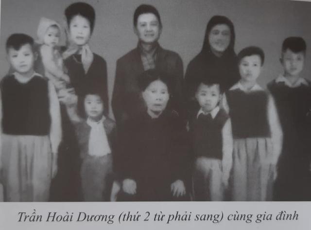 Ảnh Trần Hoài Dương và gia đình, khoảng năm 1955